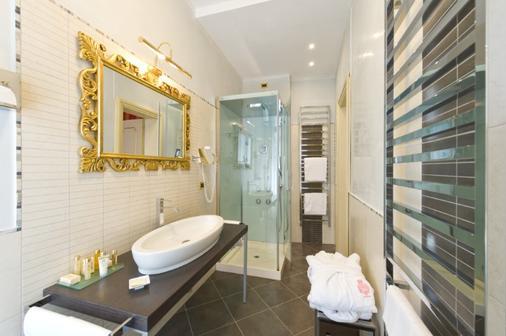 Hotel Savoia & Jolanda - Venice - Bathroom