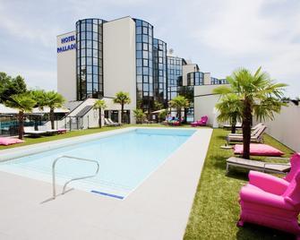 Palladia Hotel - Tolosa - Piscina