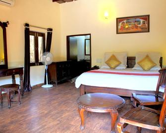 Hill N You - Mount Abu - Bedroom