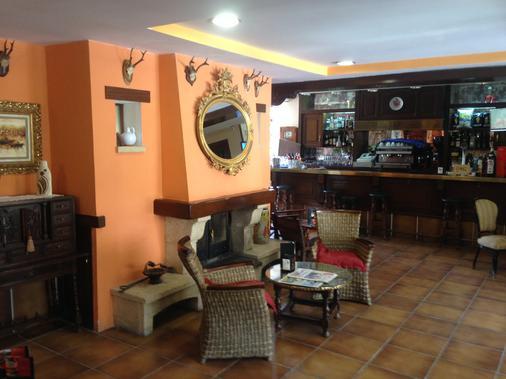 Hotel Montes Blancos - Ezcaray - Bar
