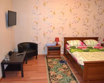 Hotel-July - Lobnya - Camera da letto