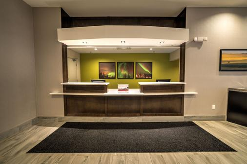 Candlewood Suites West Edmonton - Mall Area - Edmonton - Lễ tân
