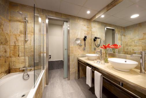 Eurostars Las Salinas - Antigua - Bathroom