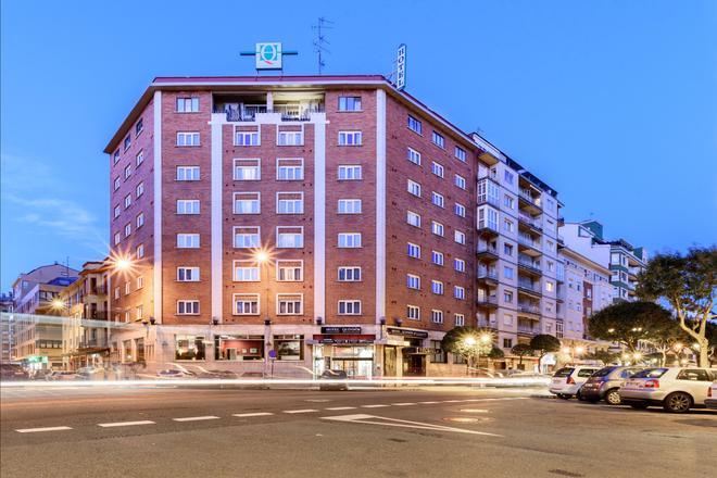 切斯金多斯酒店 - 里昂 - 萊昂 - 建築