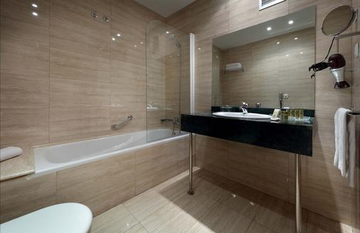 Exe Tartessos - Huelva - Bathroom