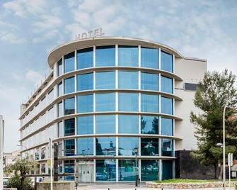 Exe Cunit Suites & Spa - Cunit - Building