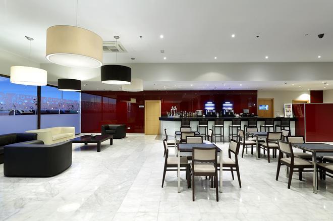 Hotel Eurostars Zaragoza - Zaragoza - Baari