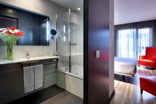Eurostars Arenas De Pinto - Pinto - Bathroom