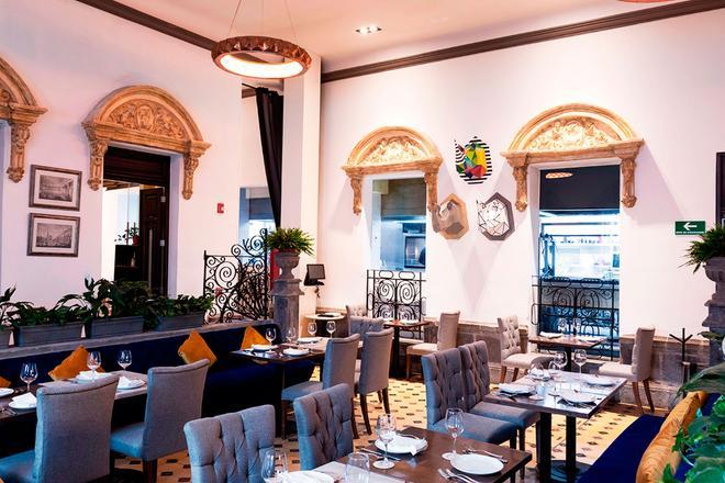 Ikonik Hotel Puebla - Puebla City - Μπουφές