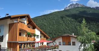 Adler Hotel-Pension - Fulpmes - Vista del exterior