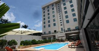 Star Land Hotel - Дуала
