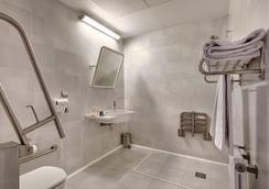 Hotel Villa Gomá - Zaragoza - Bathroom
