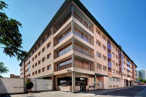 Hotel Sercotel Villa Gomá - Zaragoza - Building