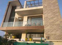 Villa 21 Agra - Āgra - Building