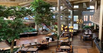 The Academy Hotel Colorado Springs - קולרדו ספרינגס - מסעדה