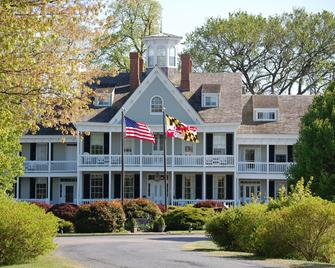The Waterfront Historic Kent Manor Inn - Stevensville - Building