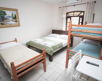 Hotel E Pousada Naturalis - Paranaguá - Bedroom