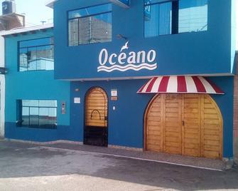Hospedaje Restaurant Oceano - Huanchaco - Building