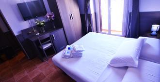 Hotel Mirti - Roma