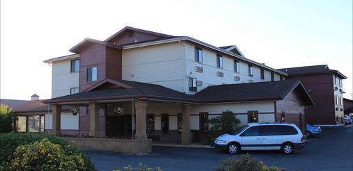 Fairbridge Inn & Suites Missoula - Missoula - Building