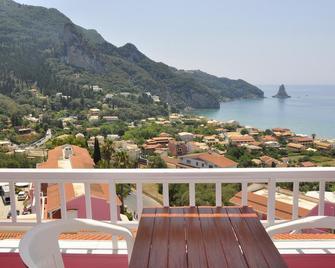 Pink Palace Beach Resort - Agios Gordios - Balcony