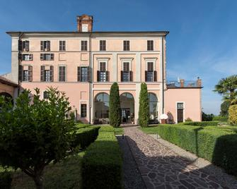 Sunstar Hotel Piemont - Asti - Gebäude