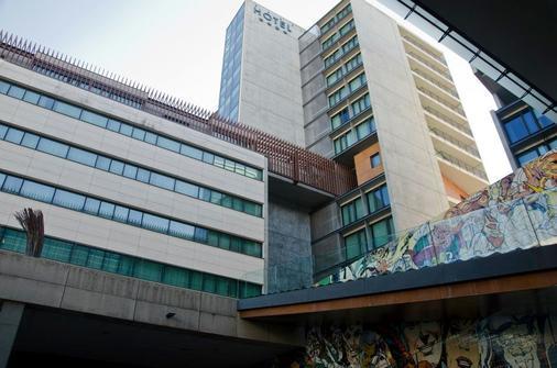 Vip Executive Arts Hotel - Lisbon - Building