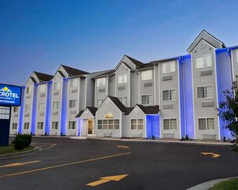 Microtel Inn & Suites by Wyndham Thomasville - Thomasville - Building