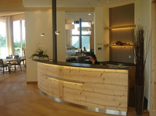 Hotel Royal - Riederalp - Front desk