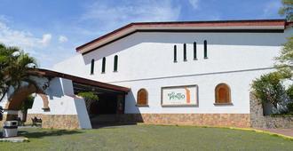 Radisson Tapatio Guadalajara - Tlaquepaque - Building