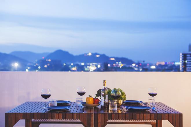 The Wide Condotel - Phuket - Phuket City - Food