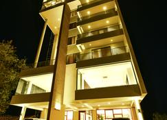 K Hotels - Entebbe - Edificio