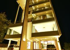 K Hotels - Entebbe - Bygning