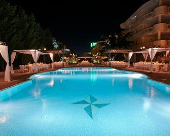 Grand Hotel Vanvitelli - Caserta - Pool