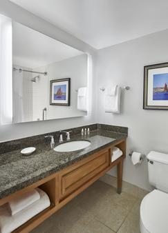 Holiday Inn Hotel & Suites Alexandria - Old Town - Alexandria - Phòng tắm