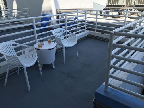Beach Apartments By Design Suites - Miami Beach - Parveke