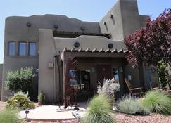 Southwest Inn At Sedona - Sedona - Building