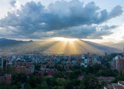 Binn Hotel - Medellín - Outdoors view