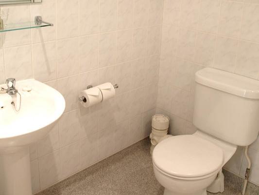 Victor Hotel - London - Bathroom