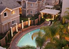 The Grand Hotel - Sunnyvale - Pool