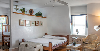 Smallest Bar Inn - Key West - Makuuhuone