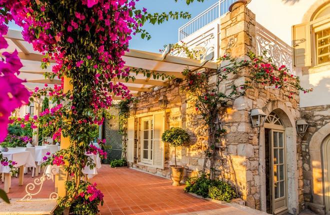 Ipekyol Hotel - Çeşme - Building
