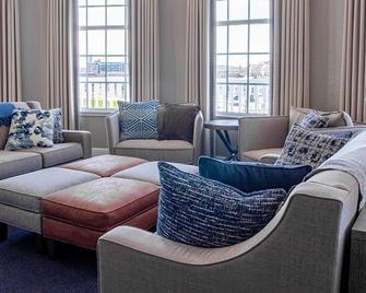 Blue Harbor Resort And Spa - Sheboygan - Huiskamer