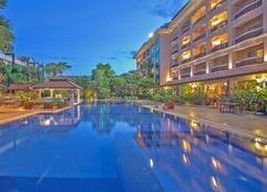 هوتل سوماديفي أنجكور ريزورت آند سبا - سيم ريب - حوض السباحة