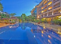 Hotel Somadevi Angkor Resort & Spa - Siem Reap - Pool