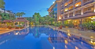 Hotel Somadevi Angkor Resort & Spa - סיאם ריפ - בריכה