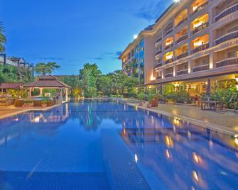 Hotel Somadevi Angkor Resort & Spa - Siem Reap - Πισίνα