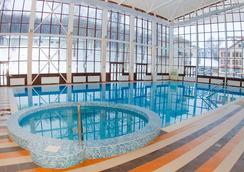 Tsargrad Hotel - Meshcherinovo - Pool