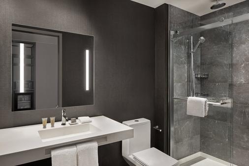 AC Hotel by Marriott Gainesville Downtown - Gainesville - Bathroom