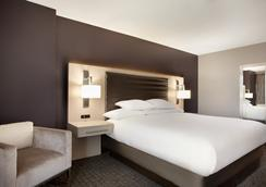 Embassy Suites by Hilton Charlotte Uptown - Charlotte - Bedroom